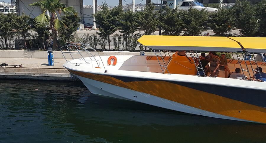 sunbrellla-fabric-boat